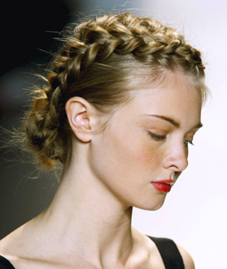 30 Magnificent Updos For Medium Hair